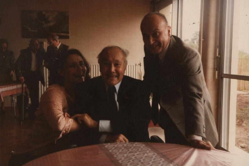 with-her-daughter-monique-and-son-son-pierre-francois-in-1988.jpg