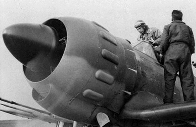 depart-du-cne-astier-de-vilate-chef-de-la-2eme-escadrille-du-gc-1-8-avec-son-mb-152-vingt-minutes-avant-sa-mort-le-10-mai-1940-a-jaulny-meurthe-et-moselle-1.jpg