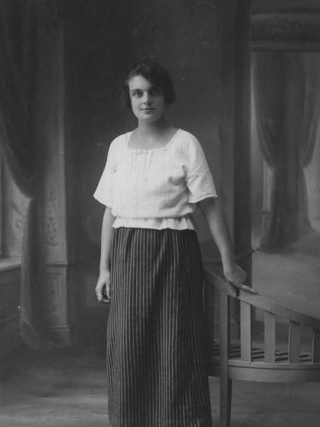 Jeanne IDRAC wife Oulès